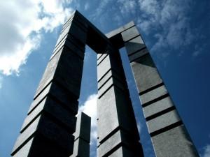 four-pillars-morguefile-1000x751